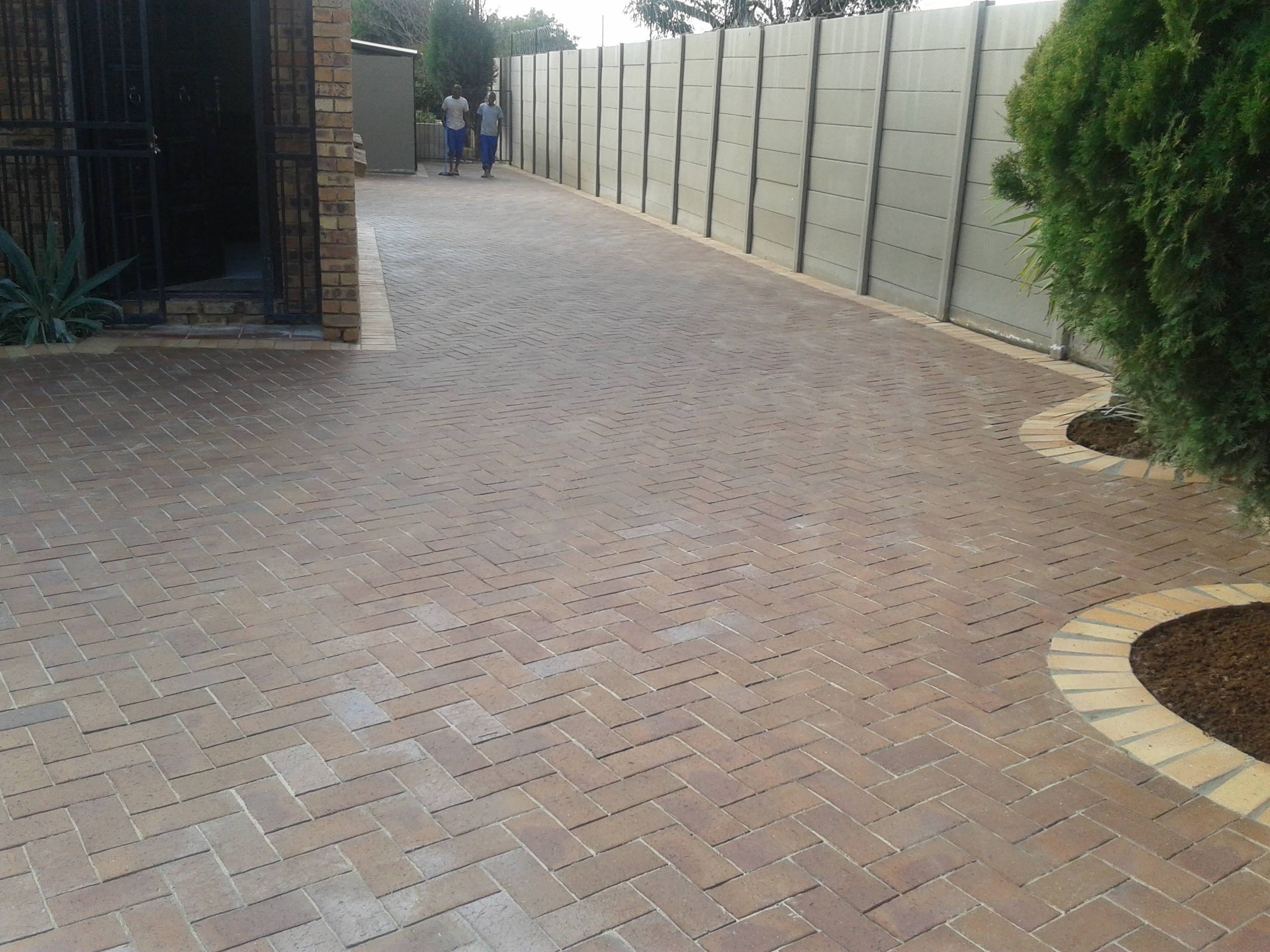 driveway paving with clay pavers