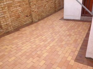 Cederberg and Nutmeg driveway paving